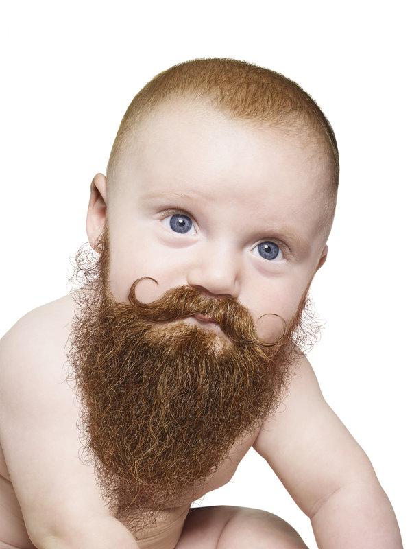 bébés avec une grosse barbe de hipster