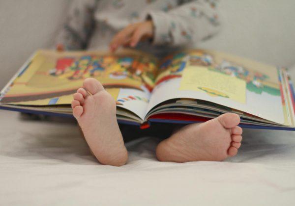 faire-dormir-son-enfant-lire-une-histoire