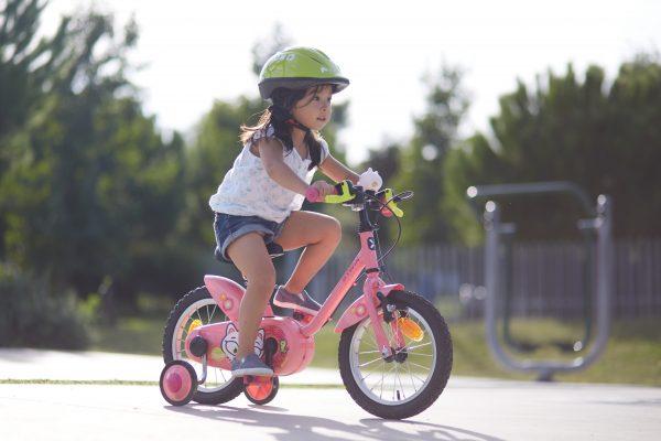 Faire du vélo avec roulettes - Apprendre à faire du vélo à son enfant
