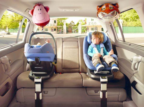 transporter bébé en voiture
