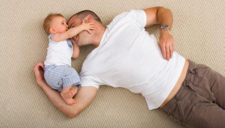 Un Papa heureux fait un Bébé heureux !