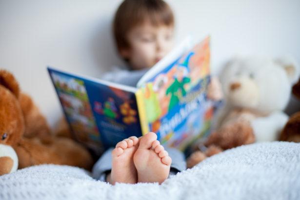 La lecture solidaire et pour tous avec ces livres pour enfants à 2€