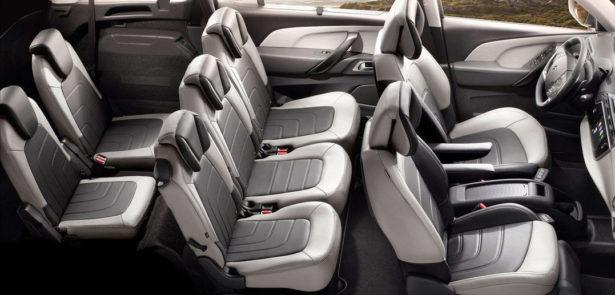 voyager-famille-nombreuse-voiture-7-places-citroen-C4-spacetourer