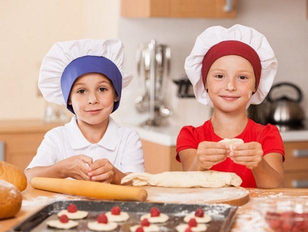 Préparation du goûter avec les enfants
